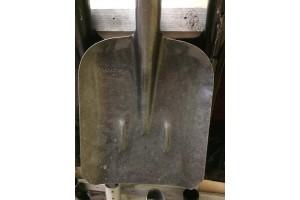 Лопата совковая  рельсовая сталь 65Г б\чер 12*